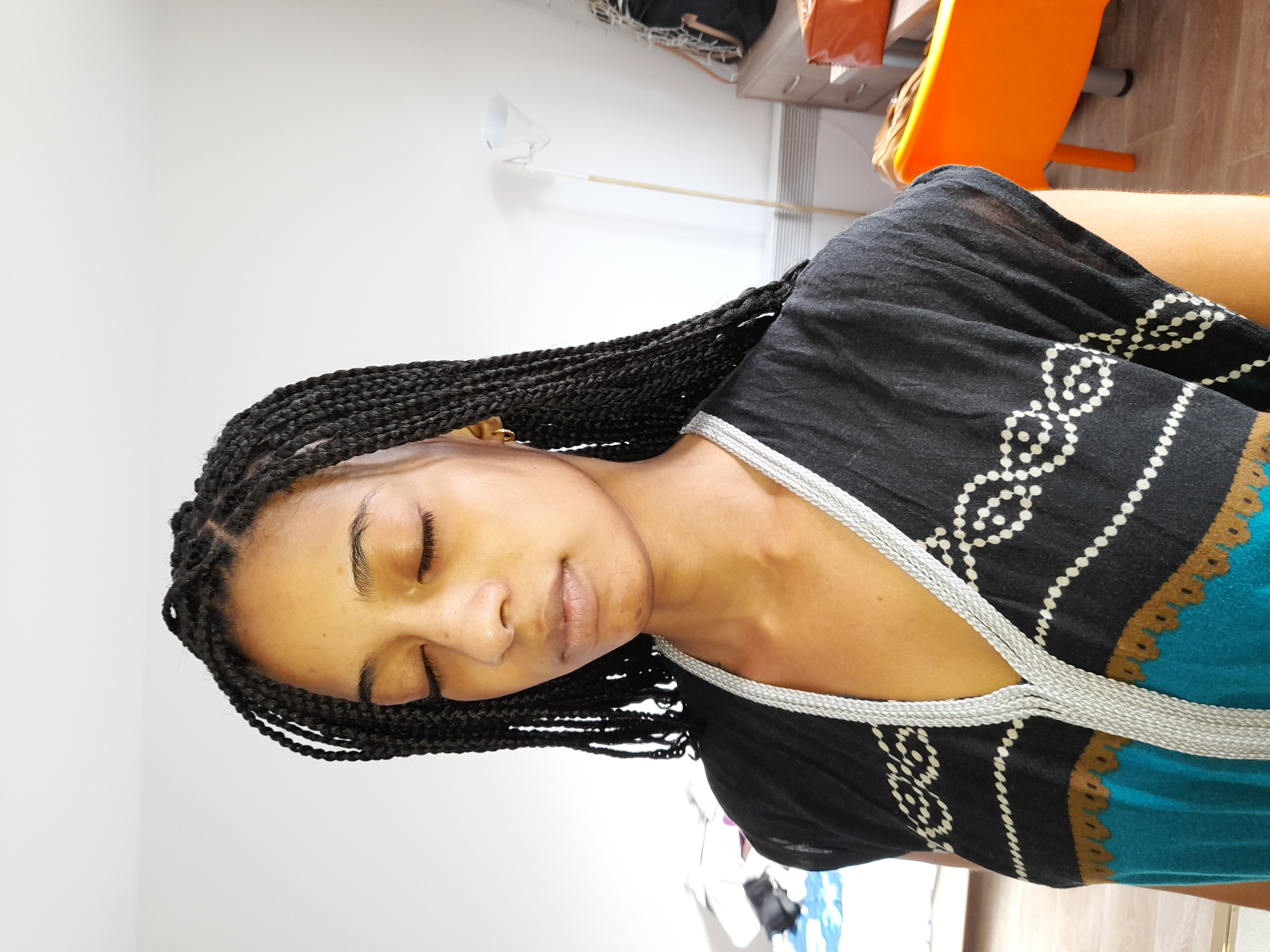 salon de coiffure afro tresse tresses box braids crochet braids vanilles tissages paris 75 77 78 91 92 93 94 95 LEQKBFKM