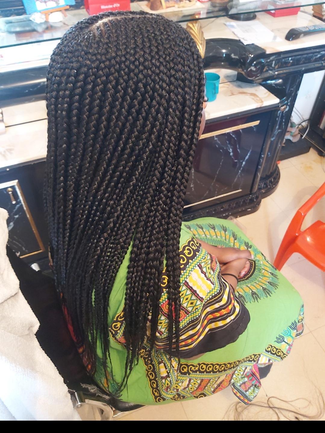 salon de coiffure afro tresse tresses box braids crochet braids vanilles tissages paris 75 77 78 91 92 93 94 95 ITOJYRMP