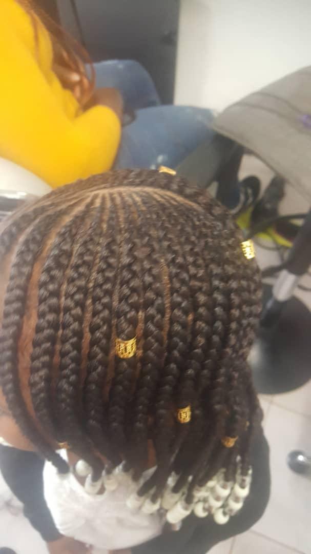 salon de coiffure afro tresse tresses box braids crochet braids vanilles tissages paris 75 77 78 91 92 93 94 95 DCYNJLIT