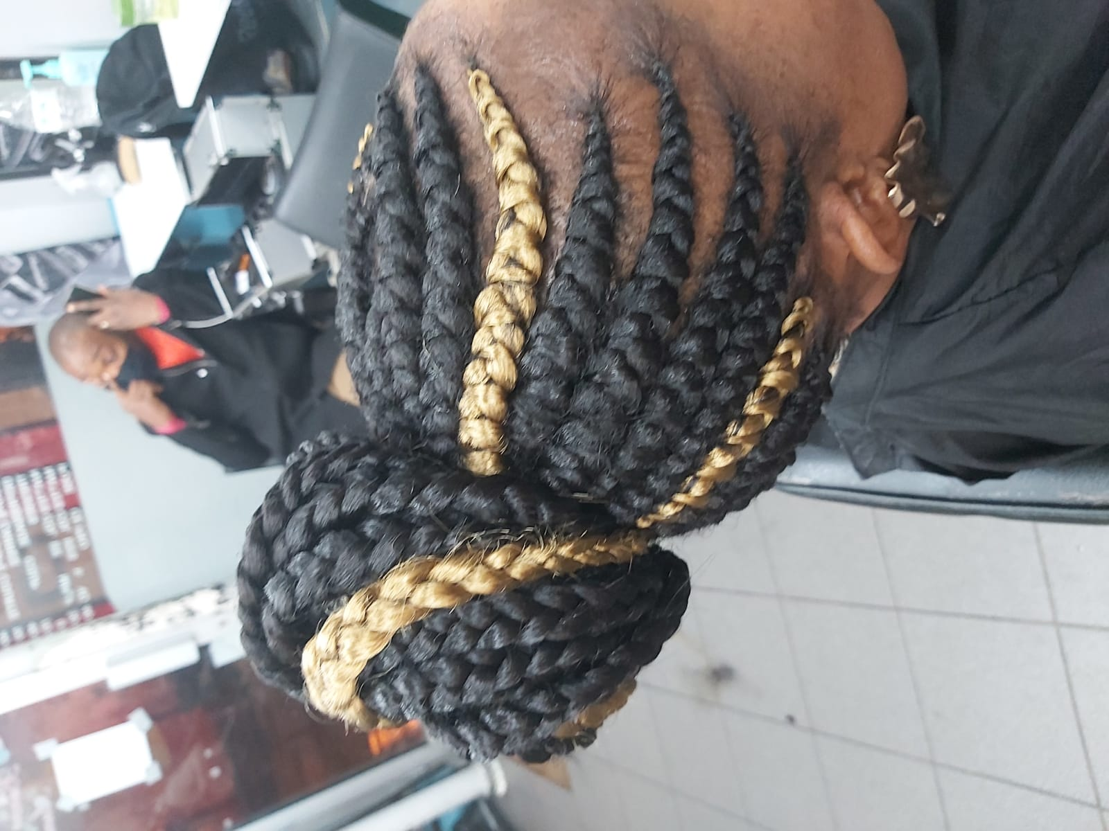 salon de coiffure afro tresse tresses box braids crochet braids vanilles tissages paris 75 77 78 91 92 93 94 95 CHFKQVYE