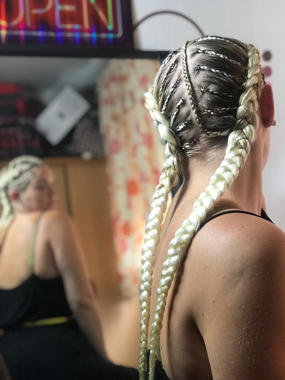 salon de coiffure afro tresse tresses box braids crochet braids vanilles tissages paris 75 77 78 91 92 93 94 95 RCULGQZS