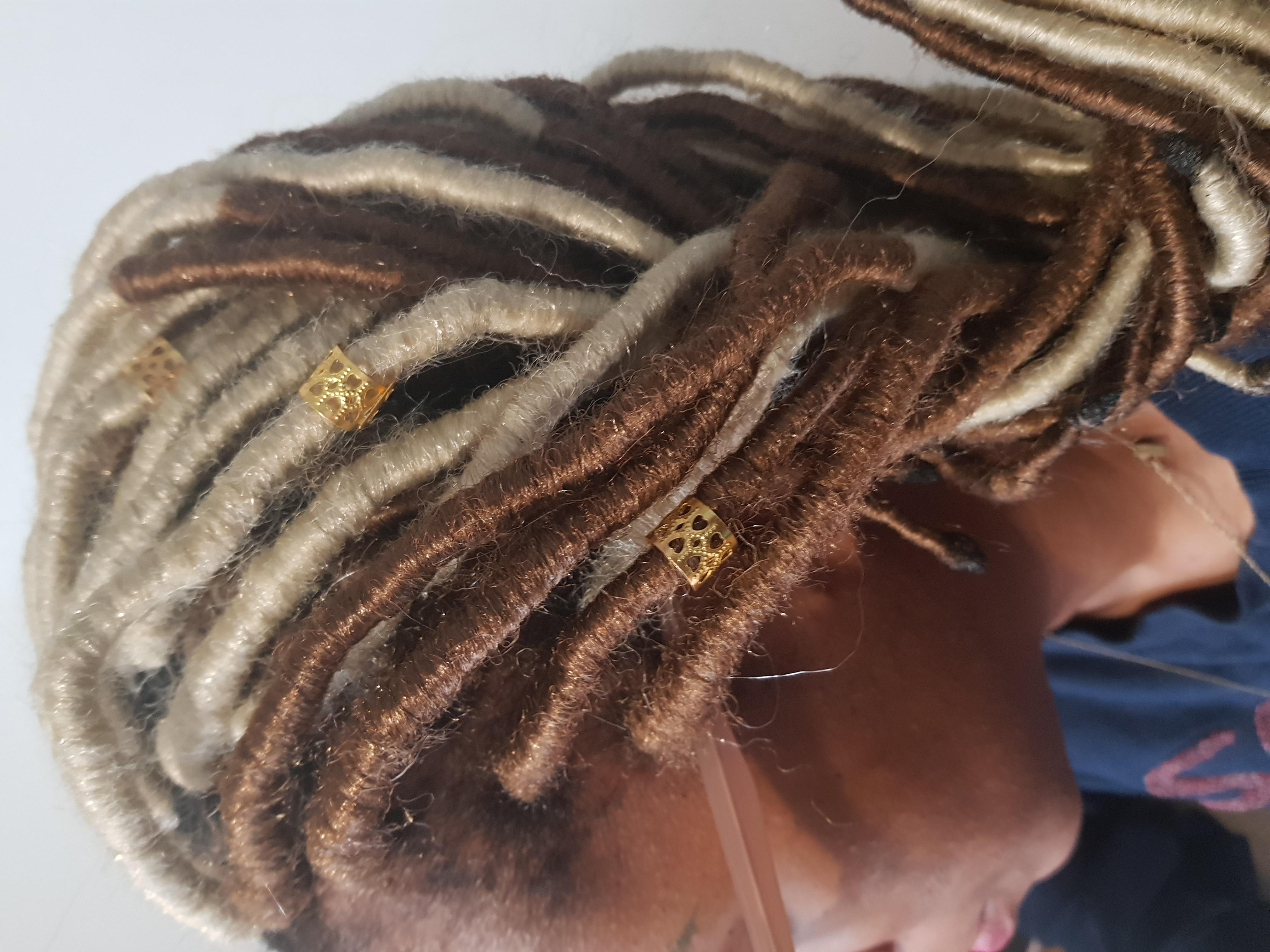 salon de coiffure afro tresse tresses box braids crochet braids vanilles tissages paris 75 77 78 91 92 93 94 95 MCAUNGMT