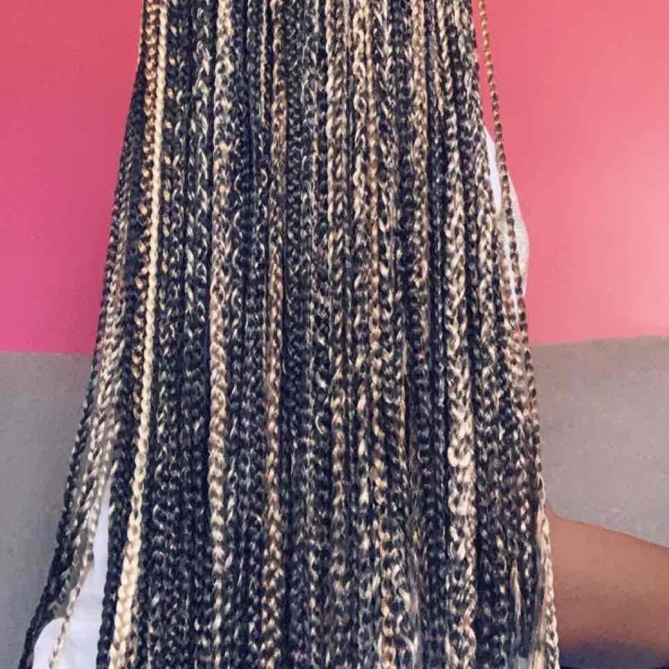 salon de coiffure afro tresse tresses box braids crochet braids vanilles tissages paris 75 77 78 91 92 93 94 95 SERHMYYK