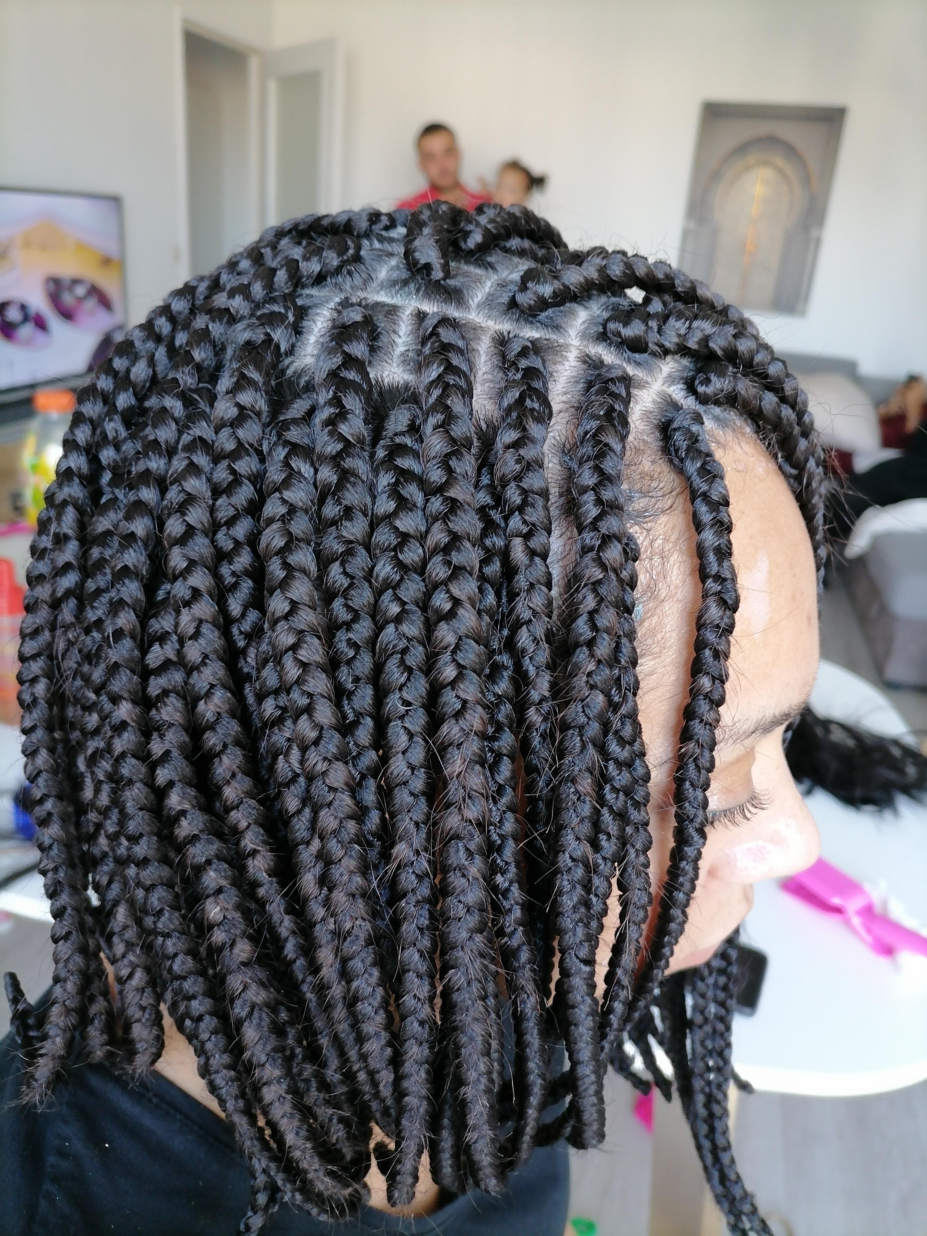 salon de coiffure afro tresse tresses box braids crochet braids vanilles tissages paris 75 77 78 91 92 93 94 95 UGVSSLVG
