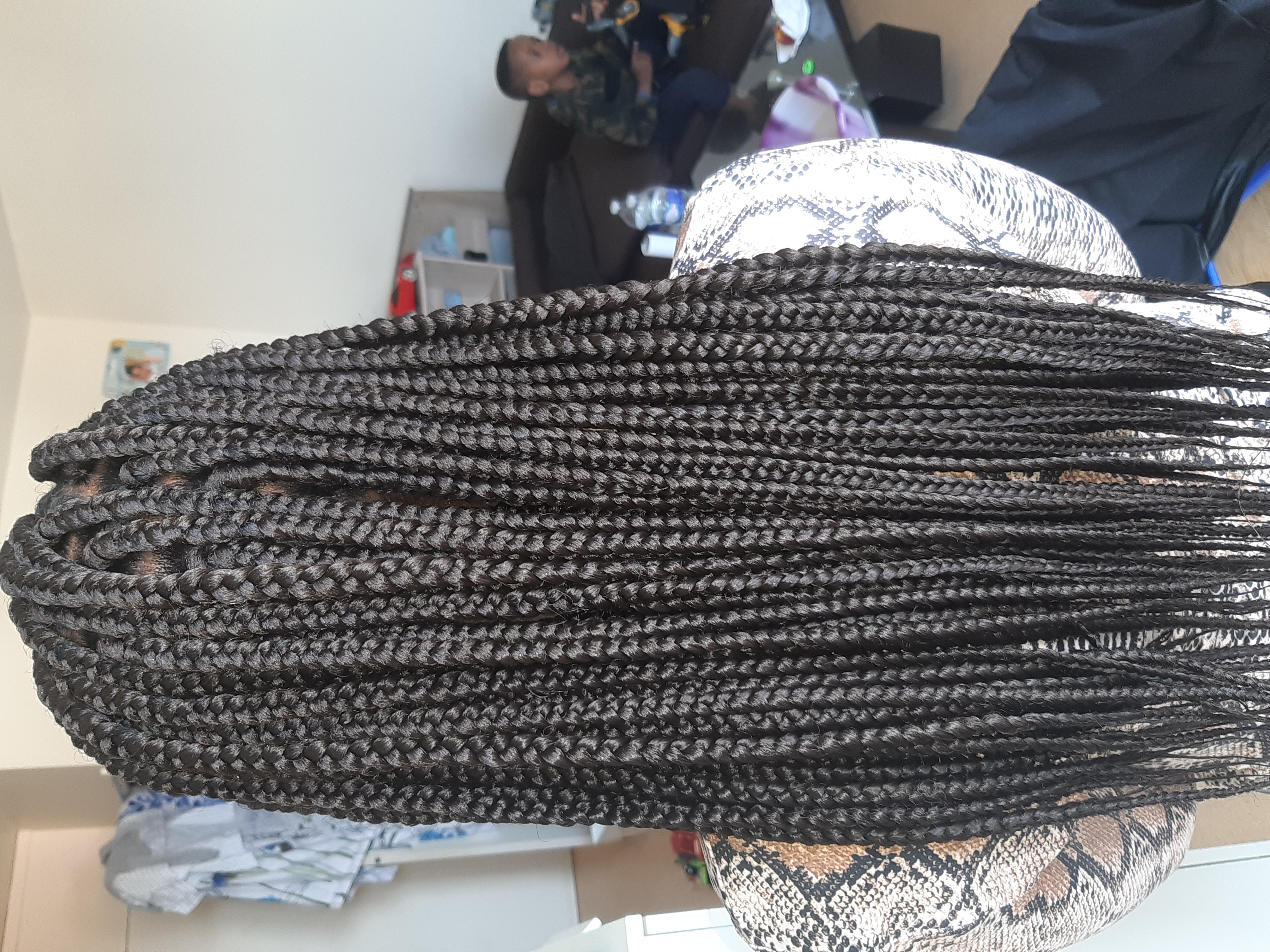 salon de coiffure afro tresse tresses box braids crochet braids vanilles tissages paris 75 77 78 91 92 93 94 95 WKNWMGVT