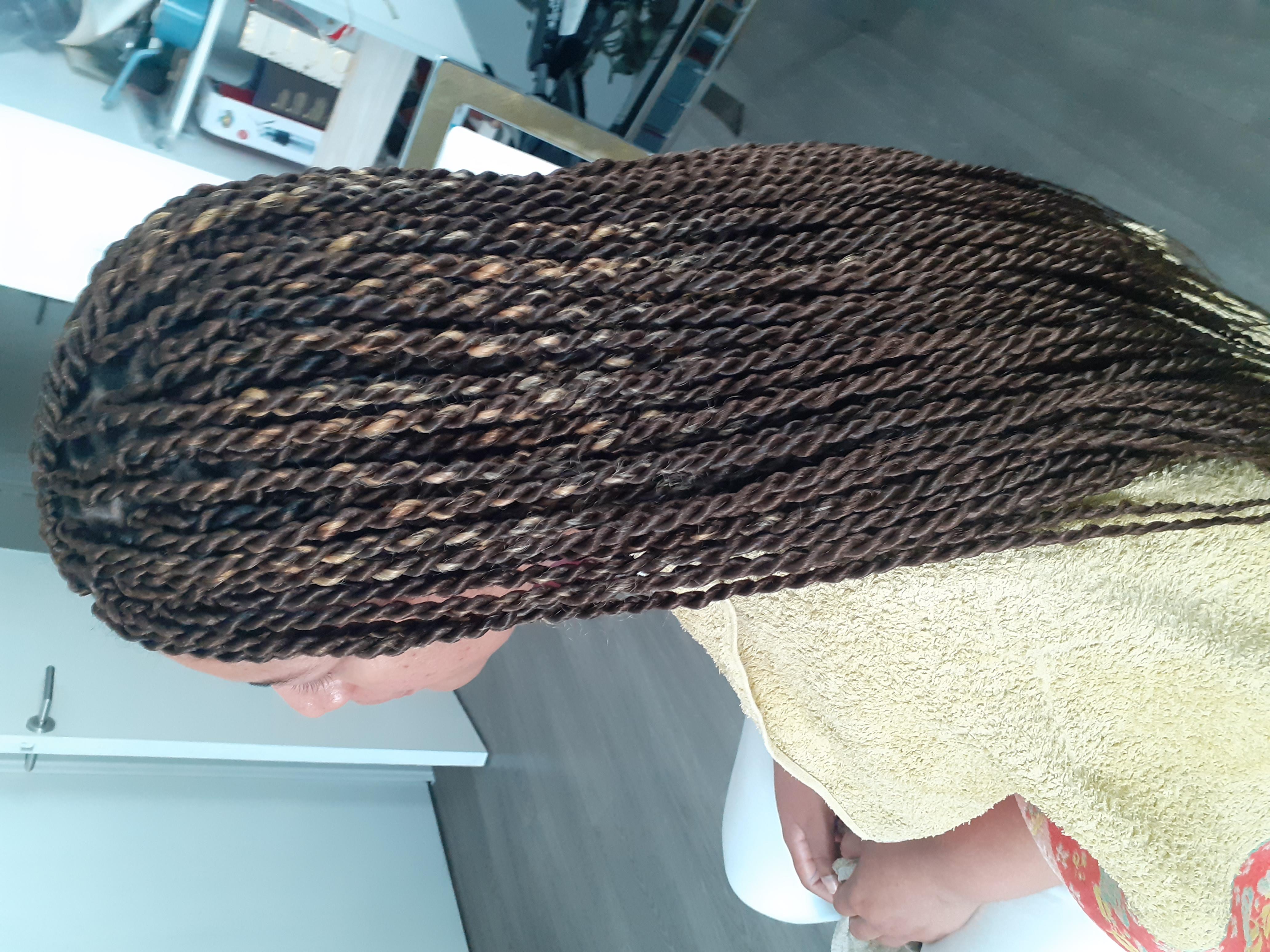 salon de coiffure afro tresse tresses box braids crochet braids vanilles tissages paris 75 77 78 91 92 93 94 95 TZGVJDZM