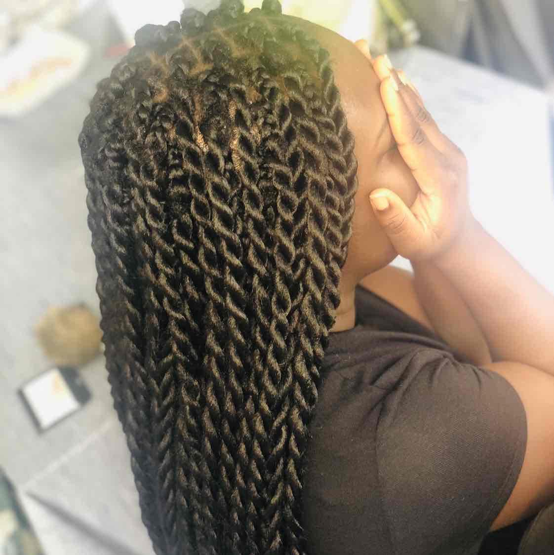 salon de coiffure afro tresse tresses box braids crochet braids vanilles tissages paris 75 77 78 91 92 93 94 95 QKEVYAEE