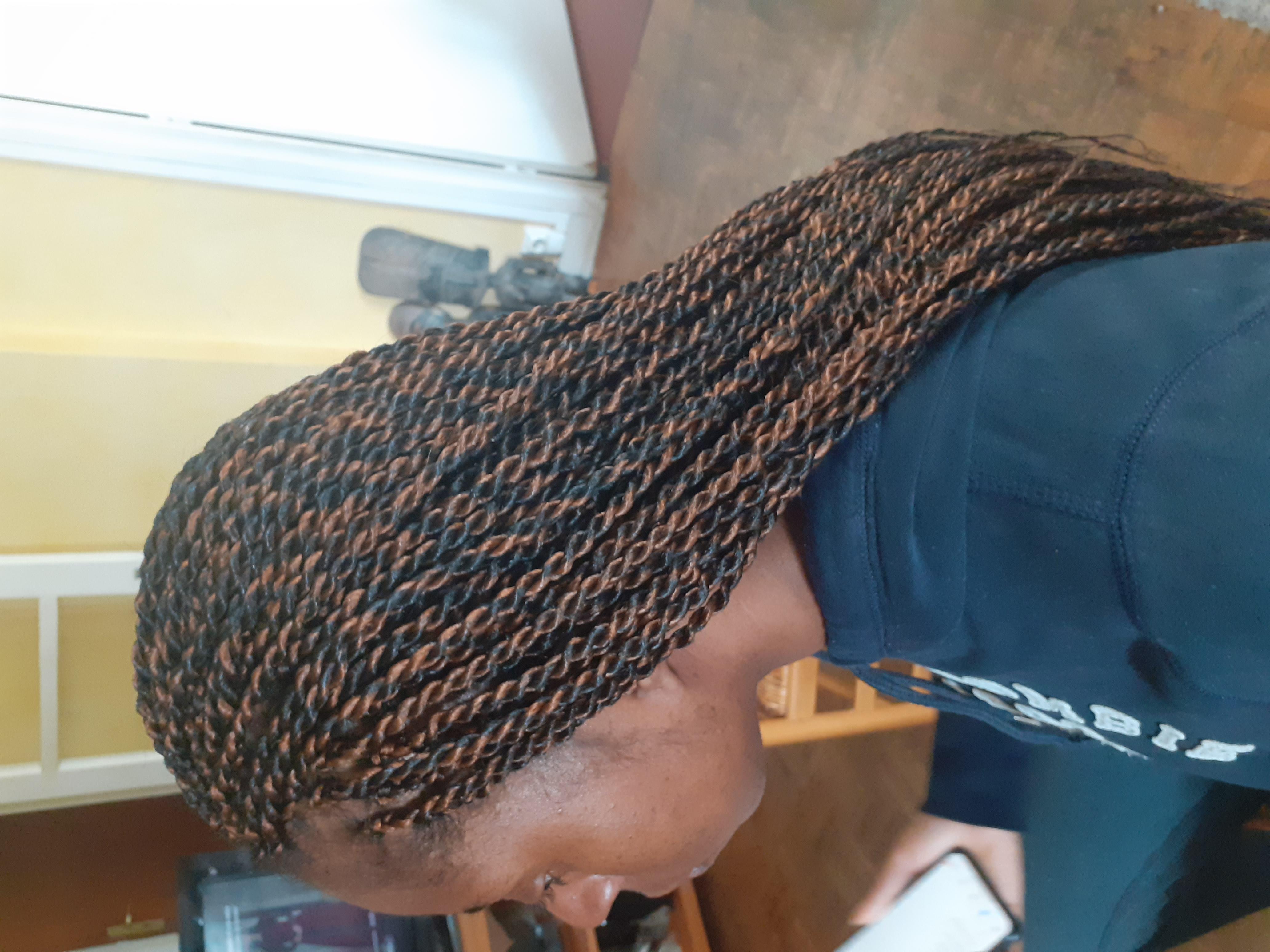 salon de coiffure afro tresse tresses box braids crochet braids vanilles tissages paris 75 77 78 91 92 93 94 95 BHQBVYIS