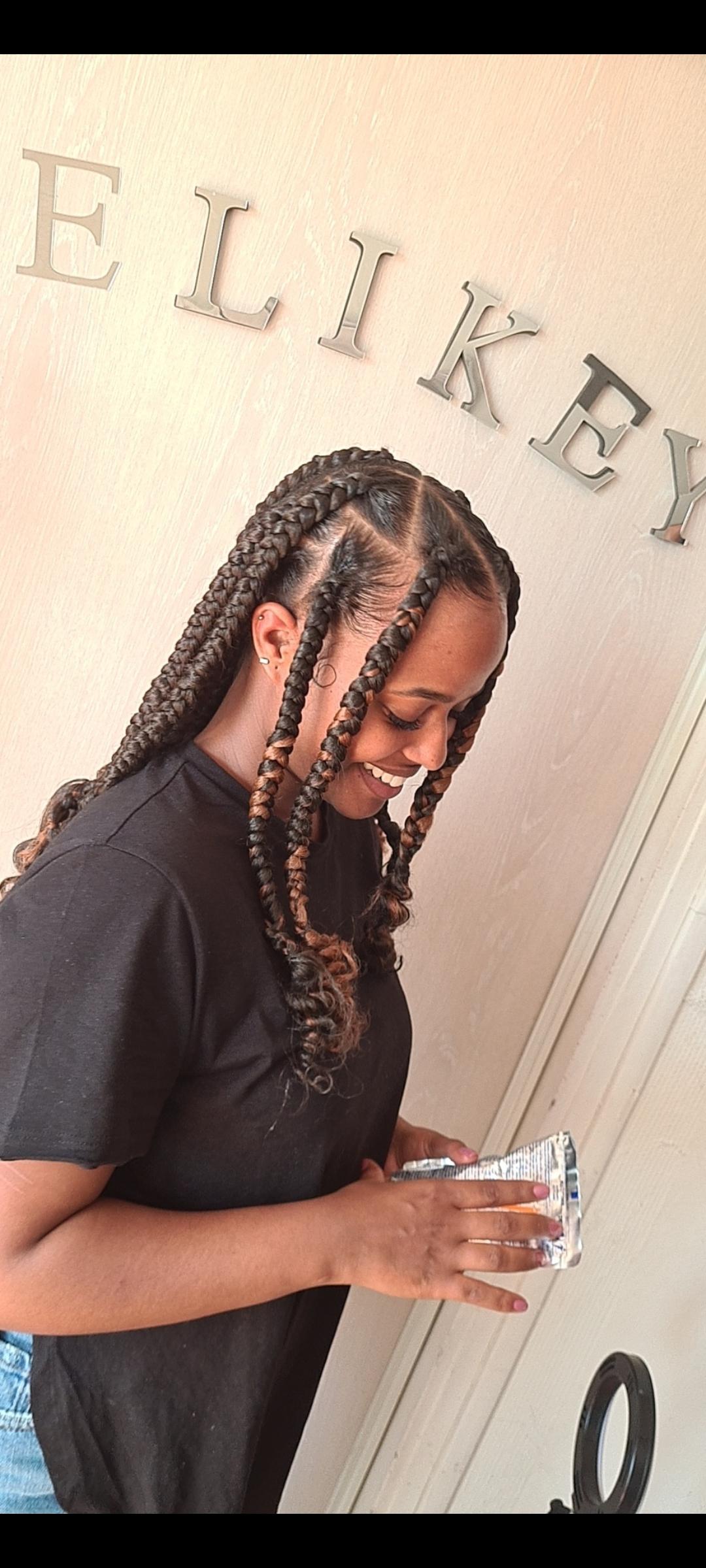 salon de coiffure afro tresse tresses box braids crochet braids vanilles tissages paris 75 77 78 91 92 93 94 95 BQRNBJZF