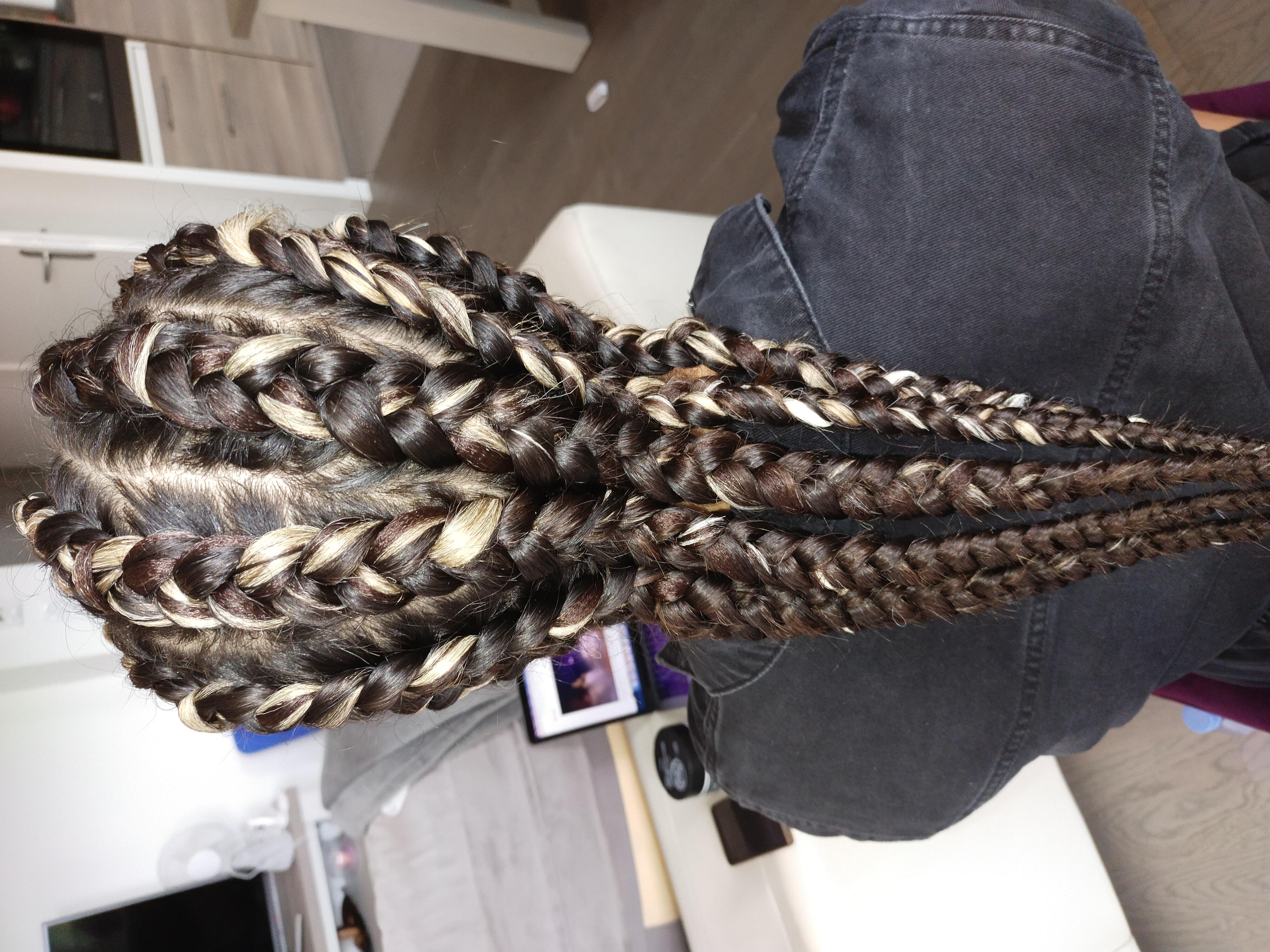 salon de coiffure afro tresse tresses box braids crochet braids vanilles tissages paris 75 77 78 91 92 93 94 95 SAGKIIQI
