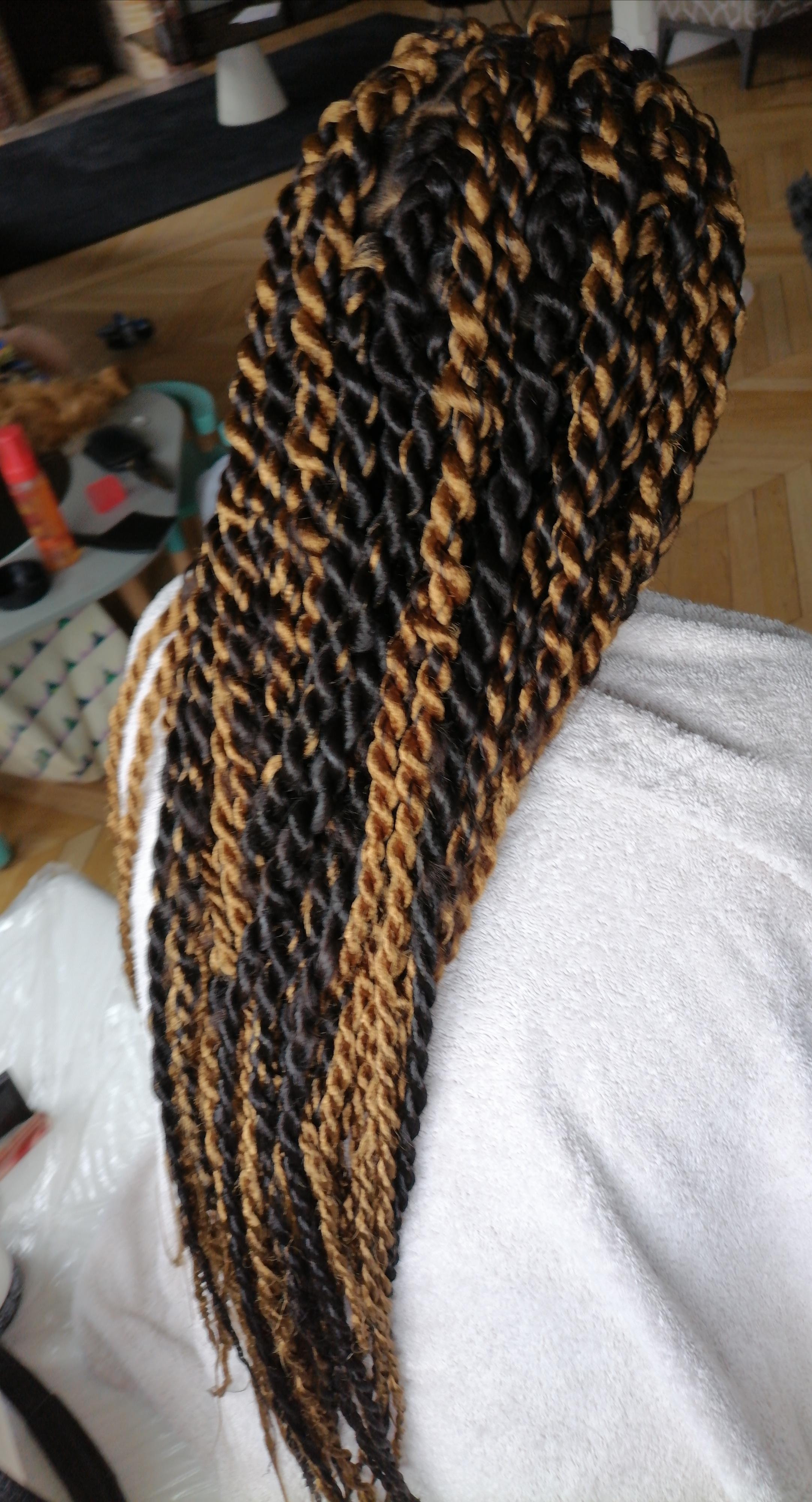 salon de coiffure afro tresse tresses box braids crochet braids vanilles tissages paris 75 77 78 91 92 93 94 95 TGGLZMGT