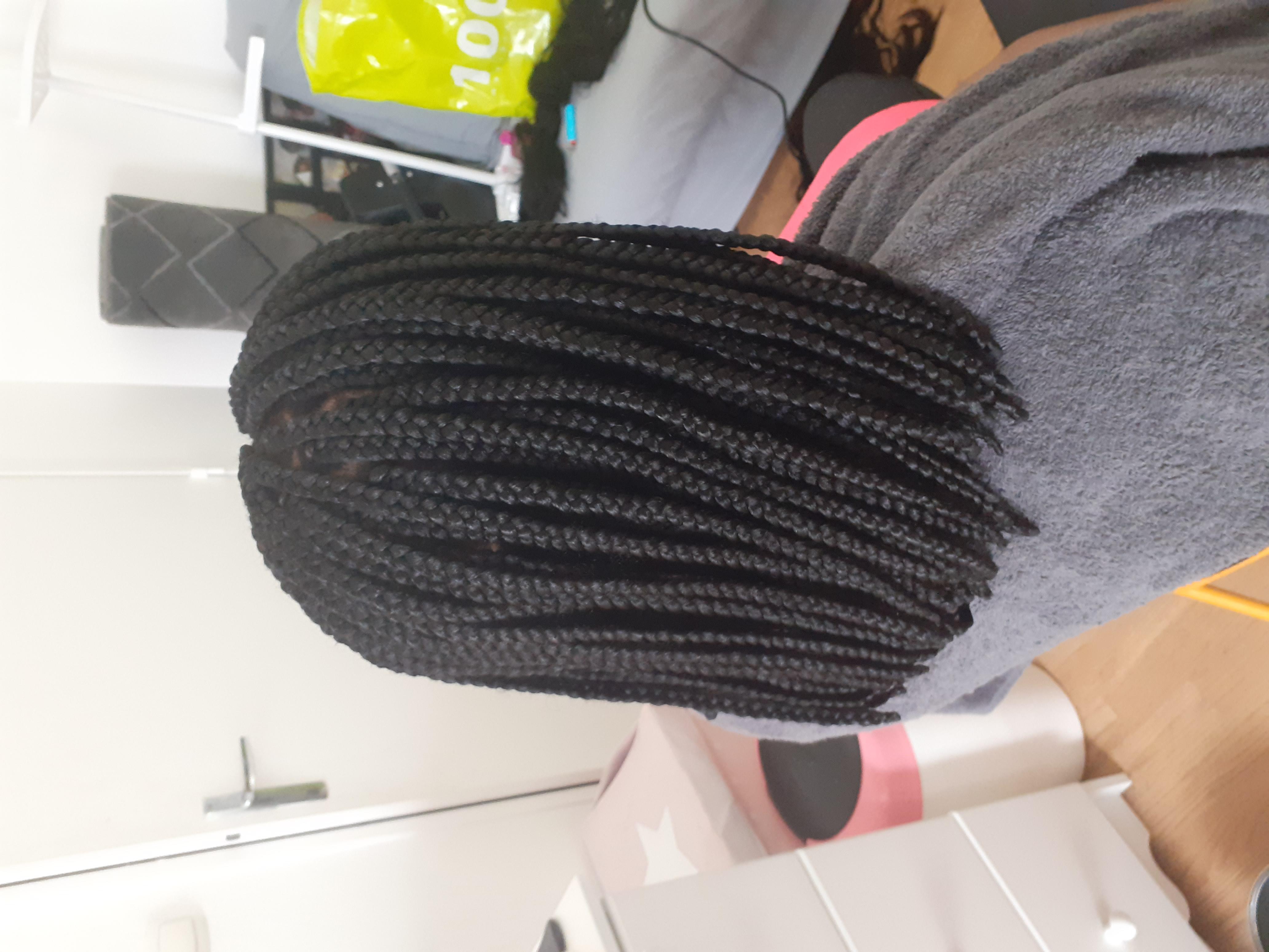 salon de coiffure afro tresse tresses box braids crochet braids vanilles tissages paris 75 77 78 91 92 93 94 95 GRPDOHUC