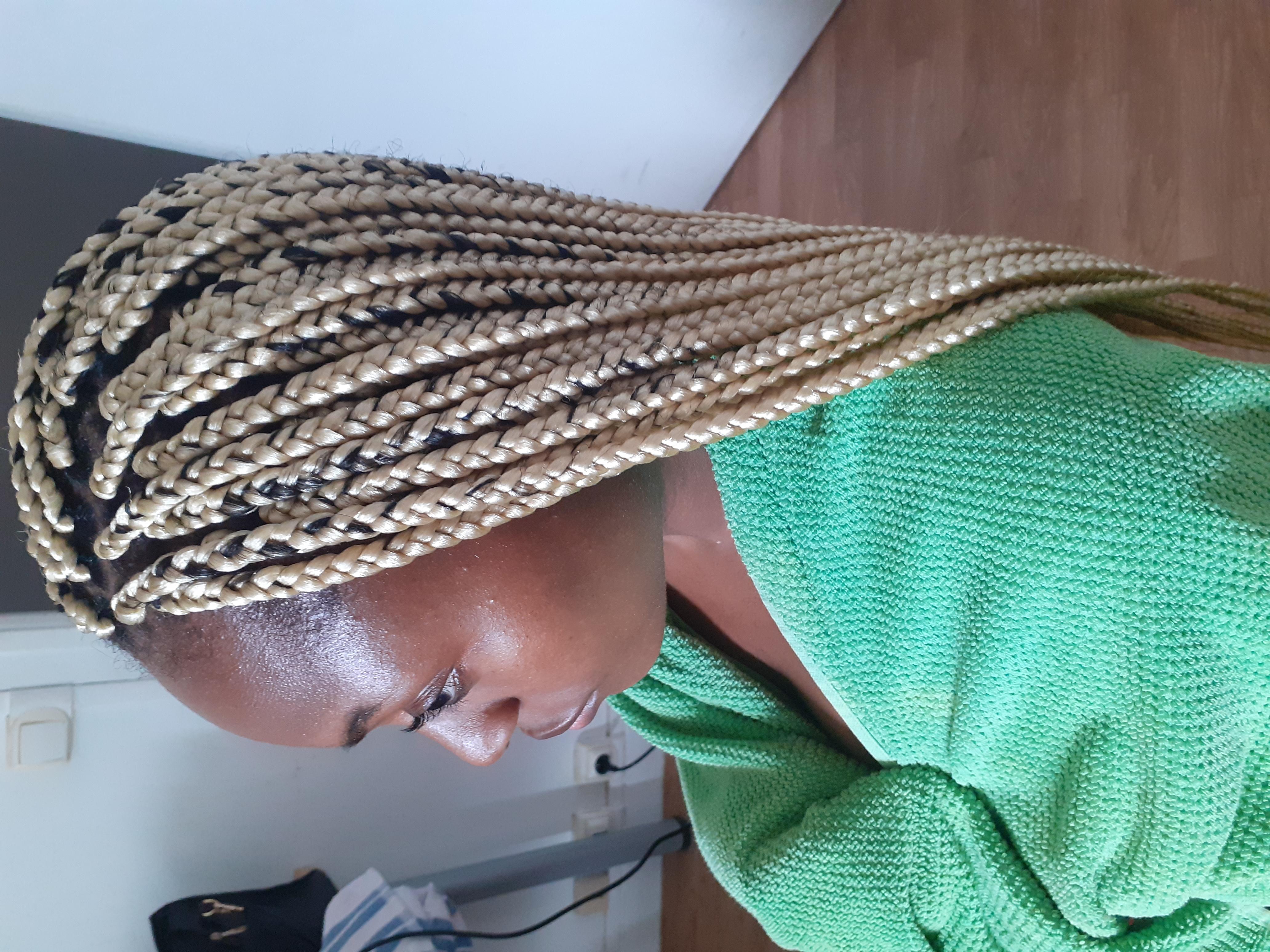 salon de coiffure afro tresse tresses box braids crochet braids vanilles tissages paris 75 77 78 91 92 93 94 95 QGSVIPJR
