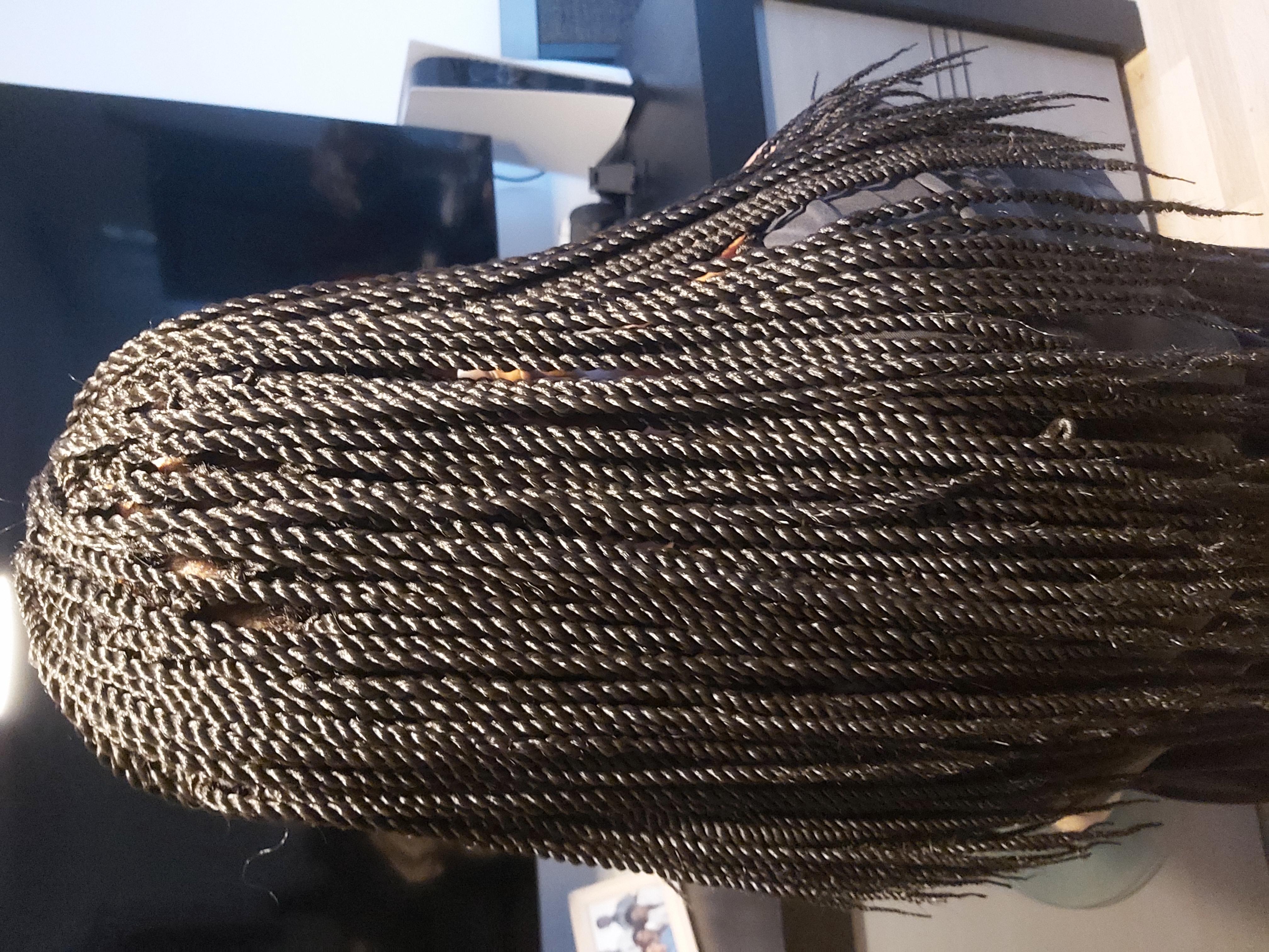 salon de coiffure afro tresse tresses box braids crochet braids vanilles tissages paris 75 77 78 91 92 93 94 95 EZNOFFMU