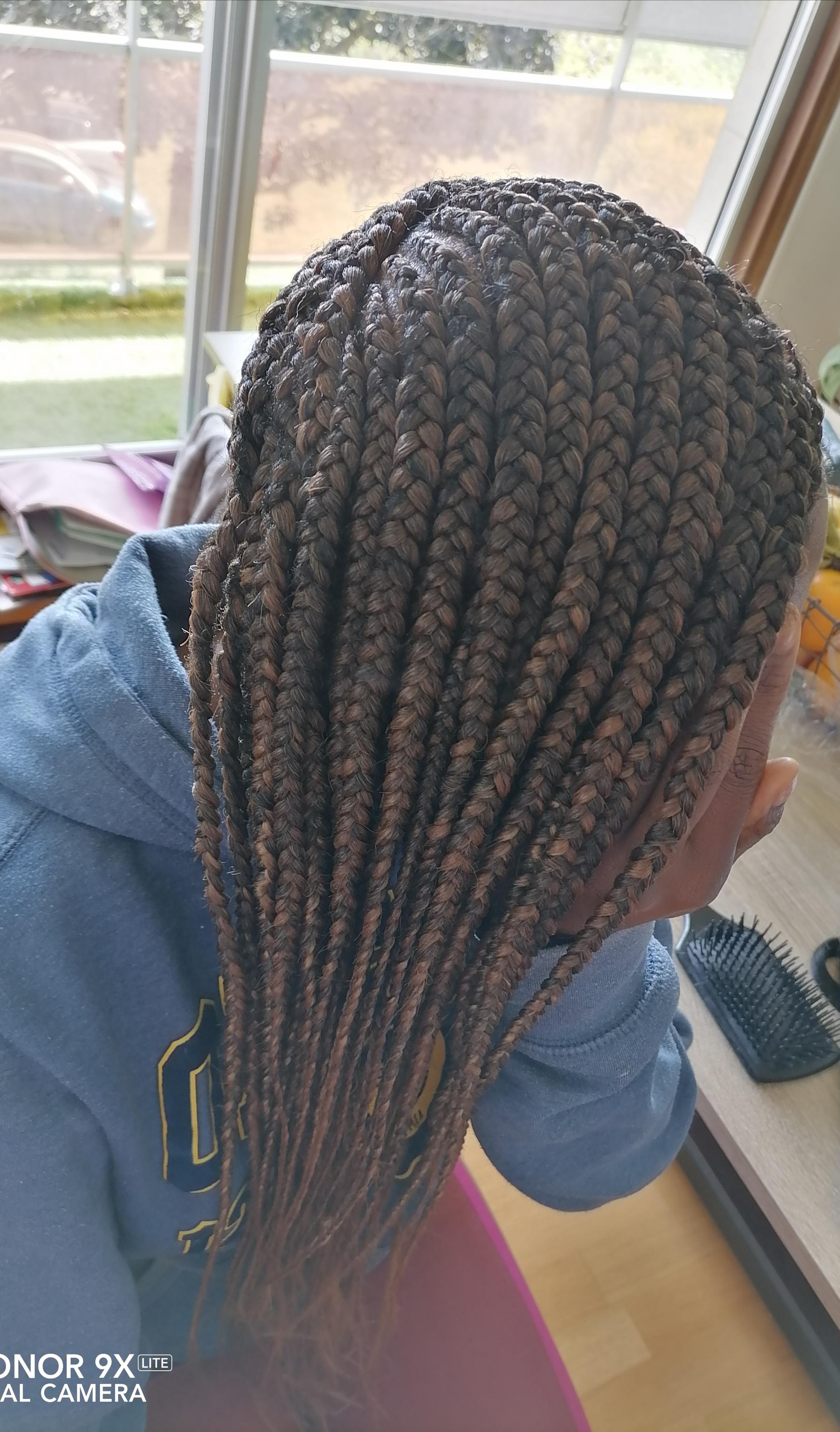 salon de coiffure afro tresse tresses box braids crochet braids vanilles tissages paris 75 77 78 91 92 93 94 95 SXAPXTAO