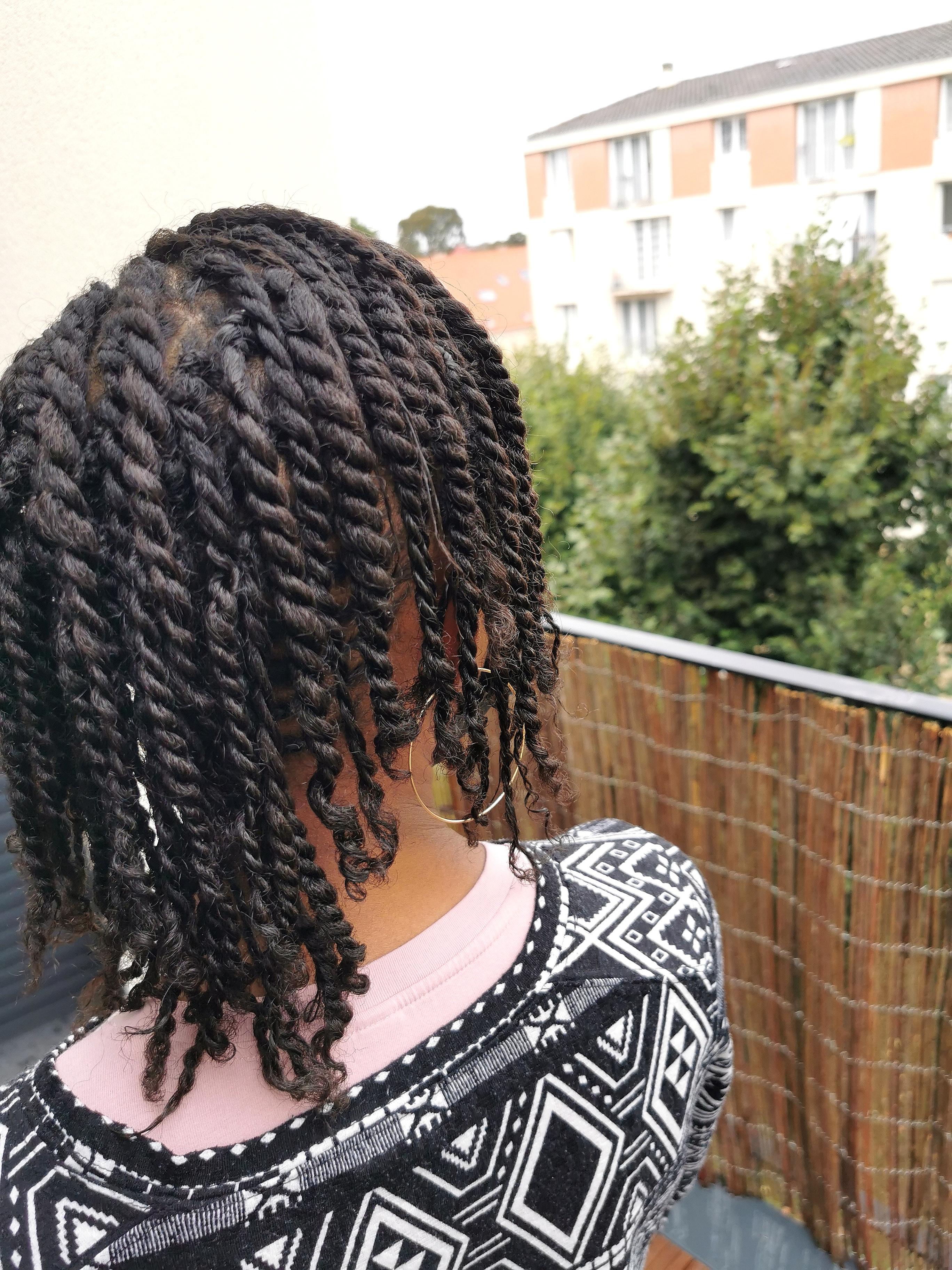 salon de coiffure afro tresse tresses box braids crochet braids vanilles tissages paris 75 77 78 91 92 93 94 95 AKOZTCUO