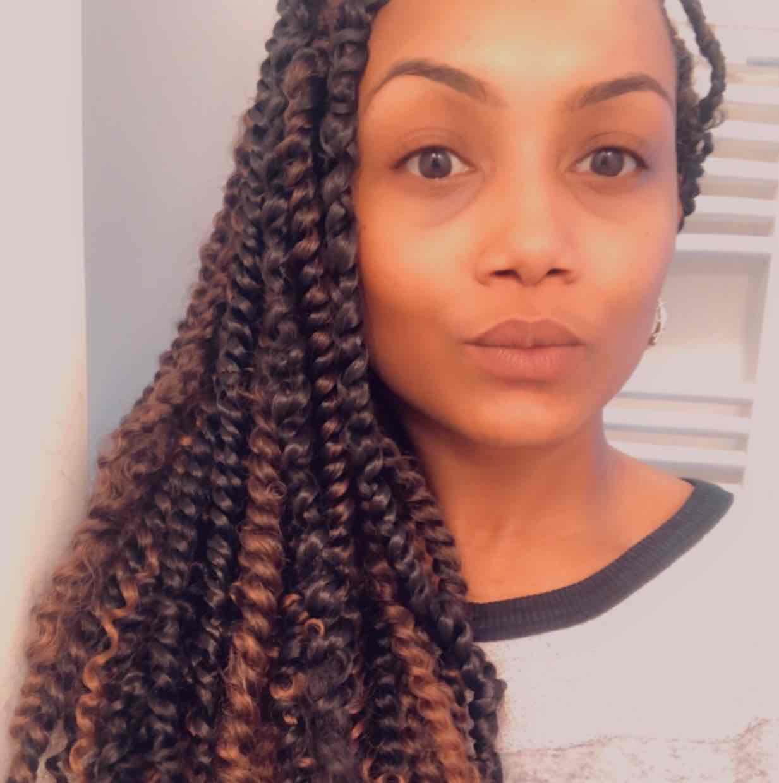 salon de coiffure afro tresse tresses box braids crochet braids vanilles tissages paris 75 77 78 91 92 93 94 95 NRNQPFFC