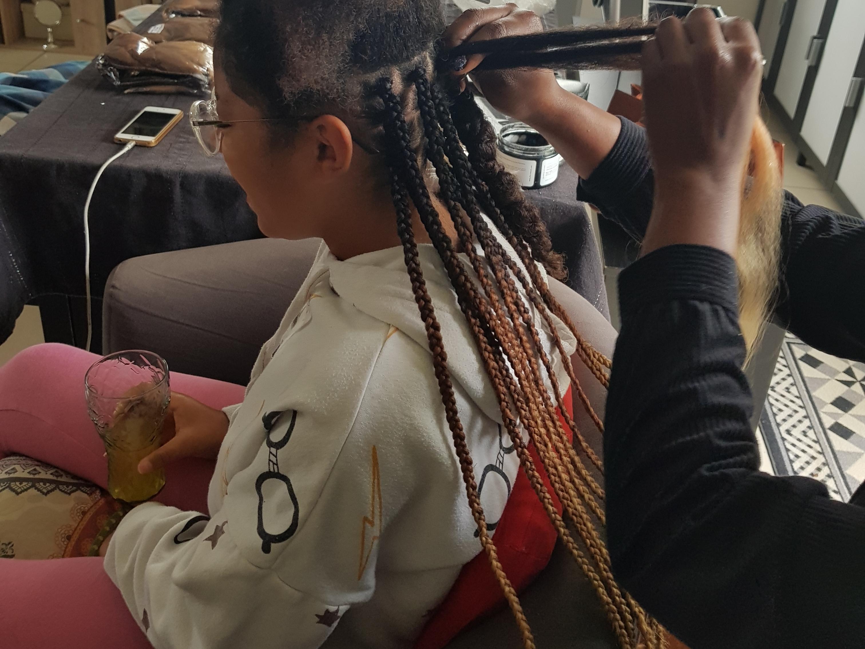 salon de coiffure afro tresse tresses box braids crochet braids vanilles tissages paris 75 77 78 91 92 93 94 95 SNLILESN