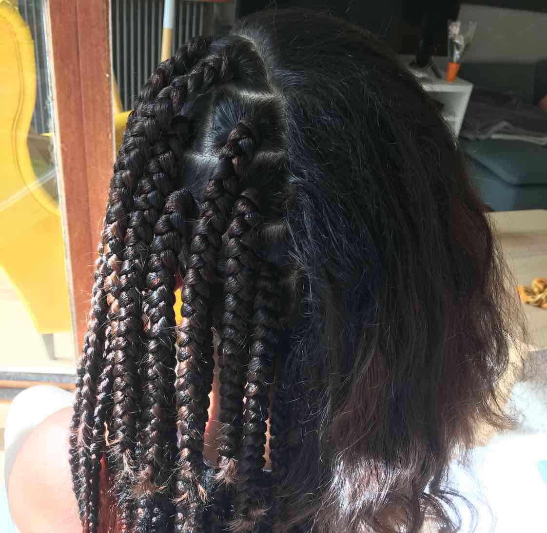 salon de coiffure afro tresse tresses box braids crochet braids vanilles tissages paris 75 77 78 91 92 93 94 95 NGOAEWHU